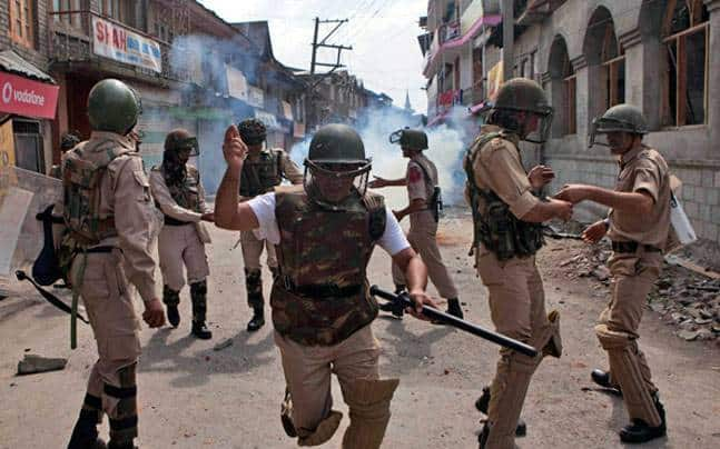 Seven injured in grenade attack in South Kashmir