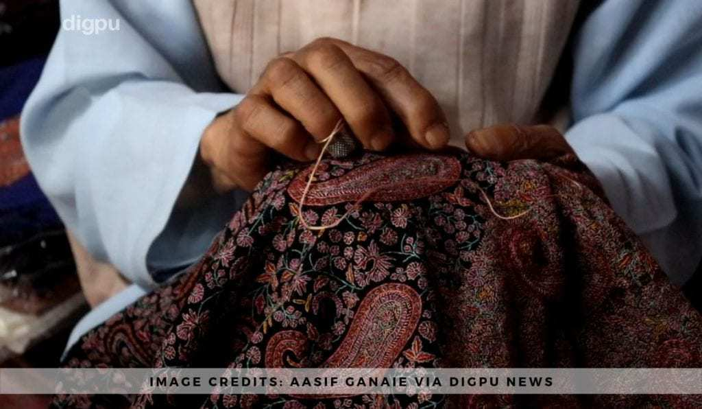 Abdul Majeed Shah - Making shawls for 40 years in Kashmir - Digpu