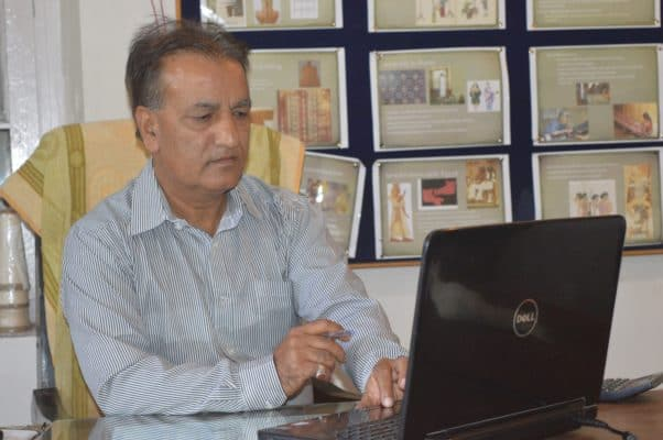 E-Charkha: Kashmiri Textile Engineer Develops A Boon - Digpu