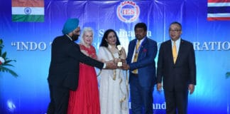 Dr Hari Krishna Maram Receives International Icon Award For His Contributions In Vision Digital India